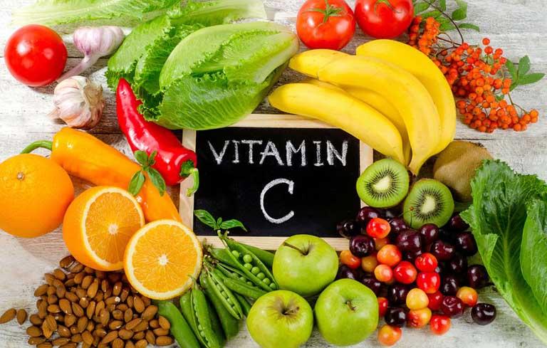 Trẻ bị viêm họng nên ăn nhiều Vitamin C