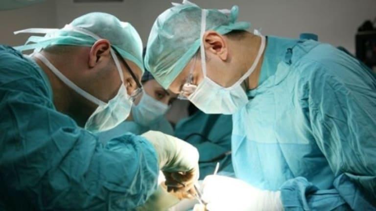 Phẫu thuật cắt bỏ búi trĩ thường chỉ áp dụng cho các trường hợp bệnh nặng và gây nhiều đau đớn cho bệnh nhân