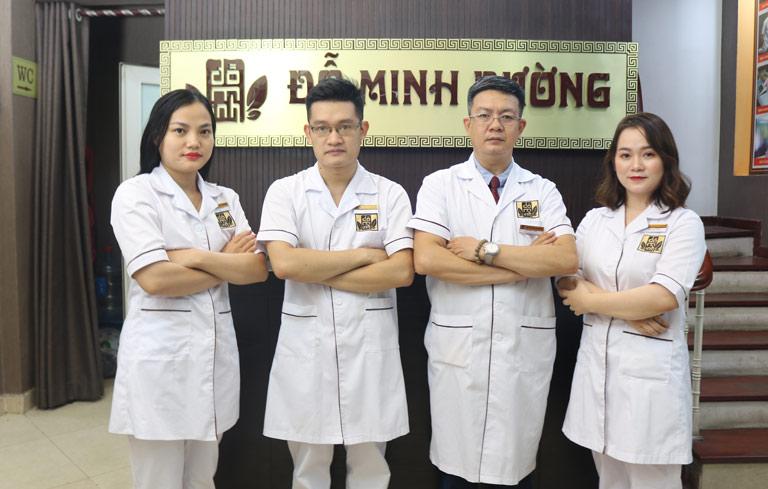 Đội ngũ bác sĩ khám chữa viêm phụ khoa