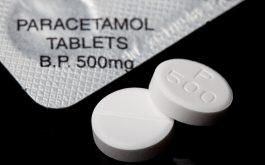 Paracetamol là một trong những loại thuốc giảm đau thông dụng chữa đau vai gáy kèm buồn nôn.