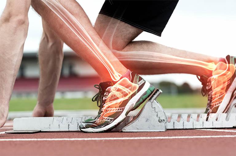 Testosterone có ảnh hưởng đến sức mạnh và sự phát triển của những khối cơ, làm tăng mật độ xương và khớp