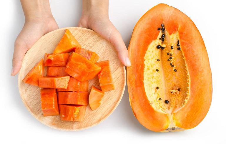 Khi bị rong kinh quấy rầy, ăn đu đủ sẽ giúp bạn cảm thấy đỡ hơn