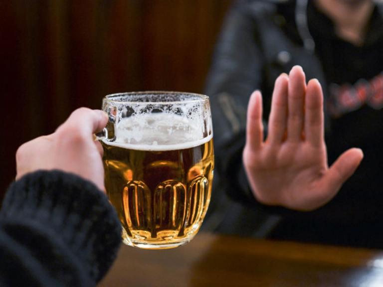 Tránh xa rượu bia thuốc lá, chất kích thích nếu không muốn tình trạng bệnh nghiêm trọng hơn