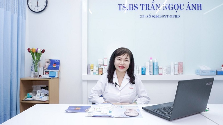 Bác sĩ Trần Ngọc Ánh đã giúp nhiều người trị mụn thành công