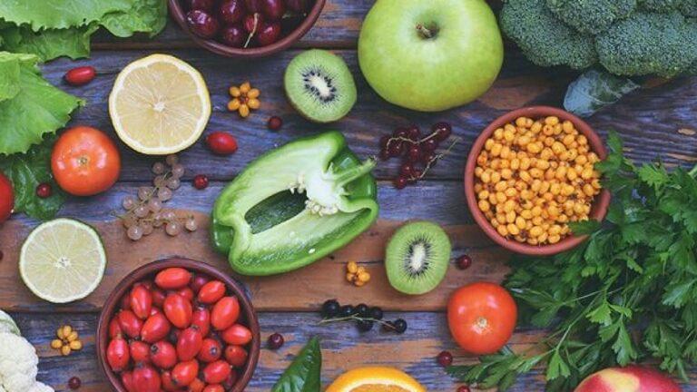 Chủ động tìm hiểu đau thần kinh tọa kiêng ăn gì và nên ăn gì sẽ giúp người bệnh nhanh chóng cải thiện triệu chứng đau nhức.