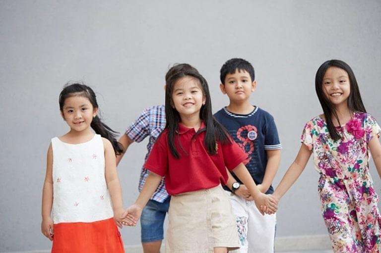 Trẻ bị động kinh vẫn có thể đi học như bình thường