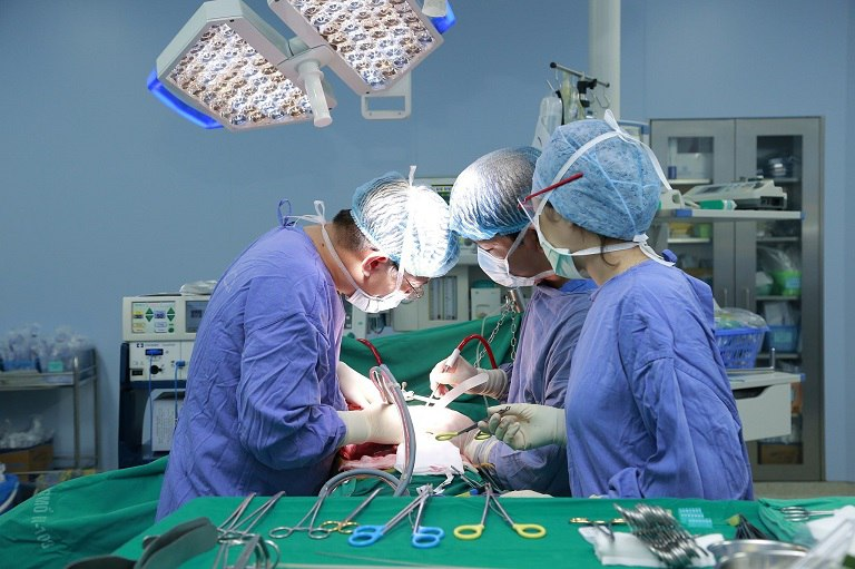 Phẫu thuật cắt gan dễ gây biến chứng, làm giảm chức năng gan