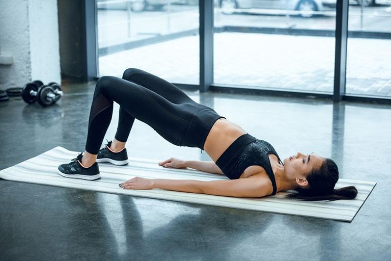 Tập yoga điều trị thoái hóa cột sống ở người trẻ tuổi