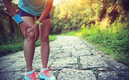 Bị khô khớp gối có nên đi bộ?