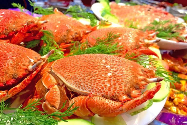 Người bị nám da không nên ăn gì? Bạn nên hạn chế các loại hải sản
