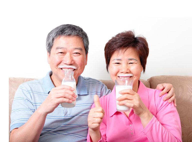sữa cho người thoái hóa cột sống