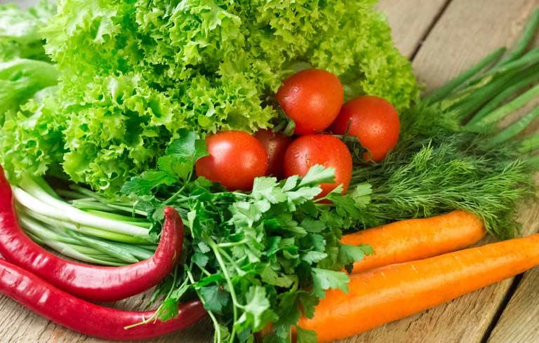 Bổ sung thêm rau xanh vào bữa ăn hàng ngày để cải thiện khả năng sinh sản