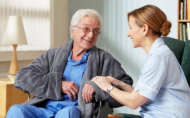 Chăm sóc bệnh nhân thoái hóa cột sống lưng