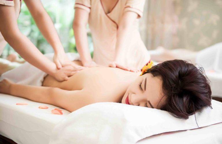 Massage chữa thoái hóa cột sống thắt lưng