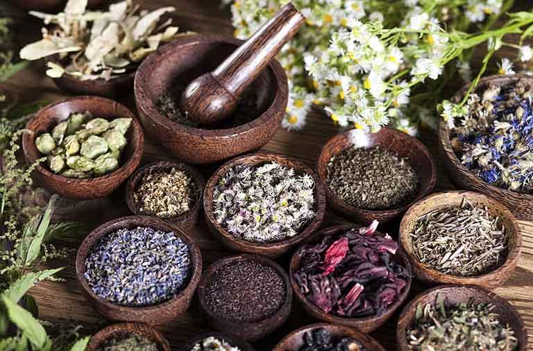 Làm tăng testosterone tự nhiên ở nam giới bằng cách sử dụng thảo dược