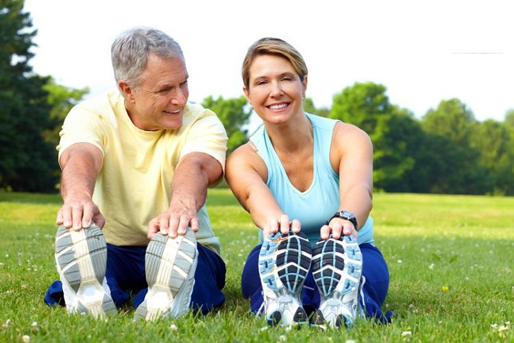 Người bệnh xơ gan cổ trướng nên sống lạc quan, yêu đời để giúp kéo dài tuổi thọ
