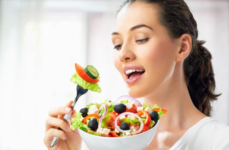 Có chế độ ăn uống lành mạnh để duy trì sức khỏe tốt