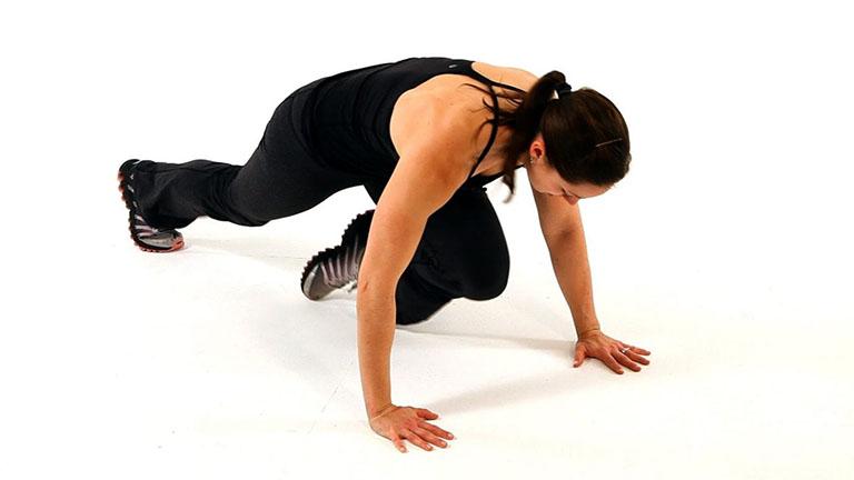 tập luyện để giảm đau cột sống lưng trên và khó thở