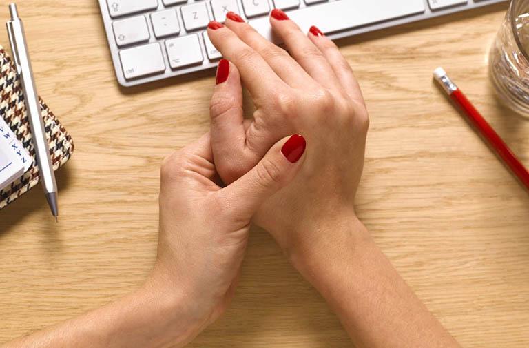 Dấu hiệu nhận biết đaukhớp ngón tay cái