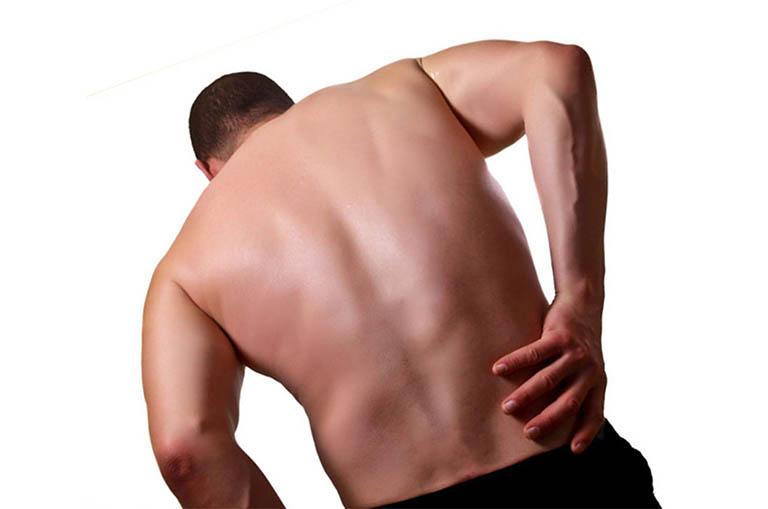 Đau lưng bên phải gần mông