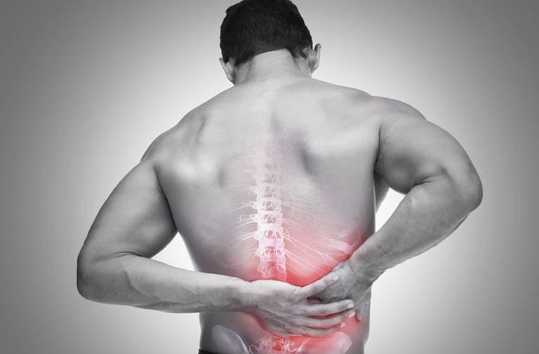 Đau lưng bên phải là bệnh gì? Nguyên nhân và cách điều trị