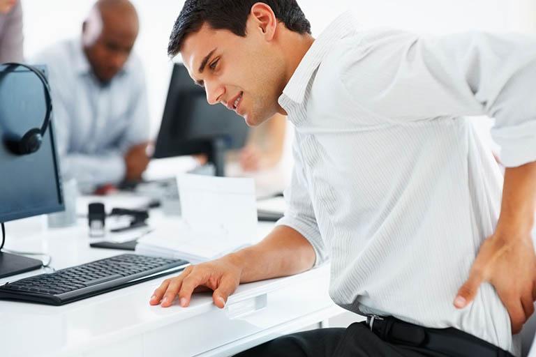 Lười vận động hoặc làm việc quá sức