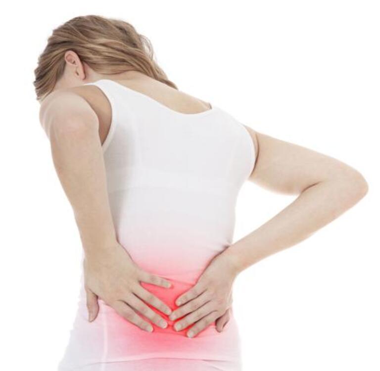 Đau lưng dưới gần mông kéo dài nhiều ngày không khỏi thường là dấu hiệu của bệnh về xương khớp.