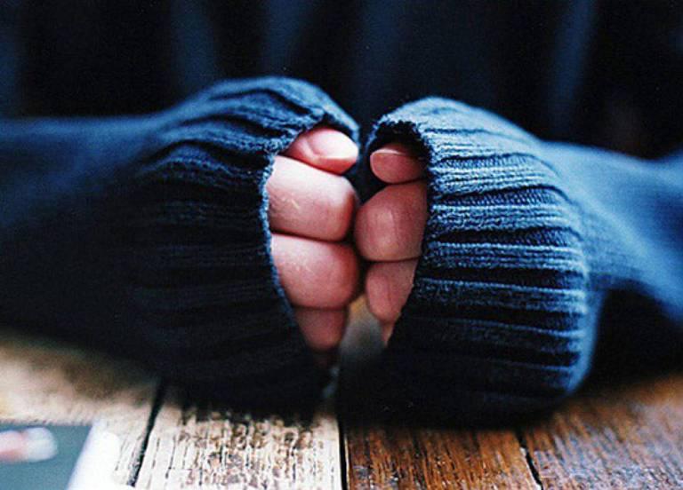 Giữ ấm cơ thể sẽ giúp cải thiện đáng kể tình trạng đau nhức xương khớp khi thay đổi thời tiết
