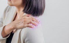Đau vai gáy là tình trạng rất hay thường gặp. Nó thường không gây nguy hiểm nếu có nguyên nhân cơ học.