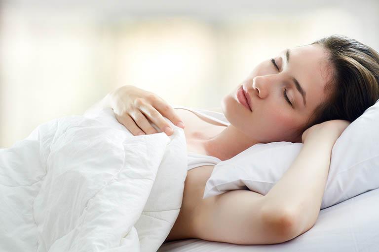 Có chế độ nghỉ ngơi hợp lý, tránh căng thẳng quá mức