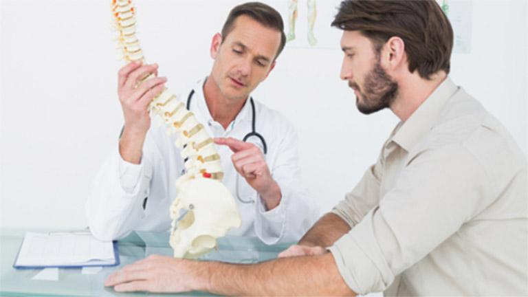 Người bệnh nên đến gặp bác sĩ chuyên khoa tiến hành thăm khám để được hướng dẫn điều trị phù hợp
