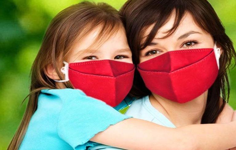 Đeo khẩu trang thường xuyên để phòng tránh viêm phế quản