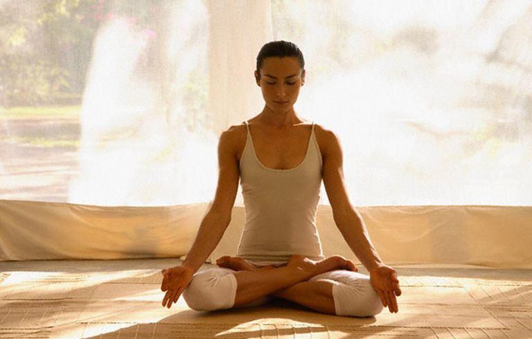 Tập yoga giúp giảm đau dạ dày hiệu quả