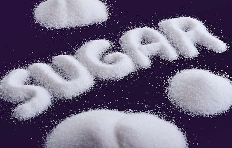 Hạn chế ăn nhiều đường nếu bị đau bụng kinh