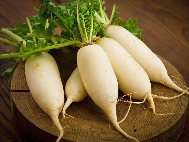 Ho gió ở trẻ em chữa bằng củ cải trắng