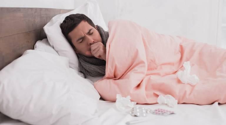 Có nhiều nguyên nhân gây ra tình trạng ho khan về đêm