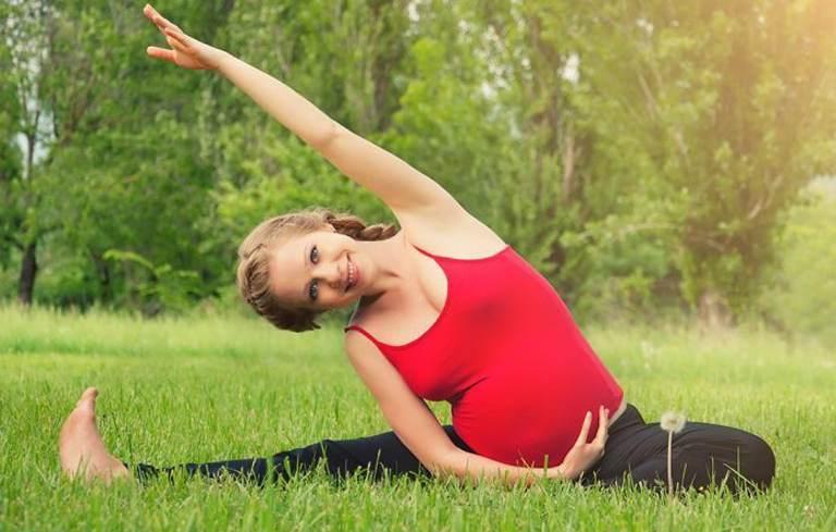Bà bầu nên tập luyện yoga để tăng đề kháng, khỏe mạnh