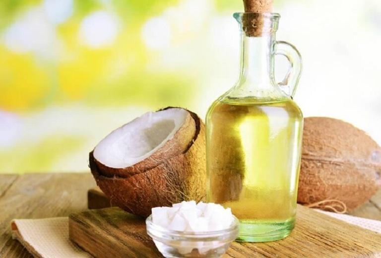 Sử dụng dầu dừa kết hợp với tía tô đắp mặt nạ làm đẹp da