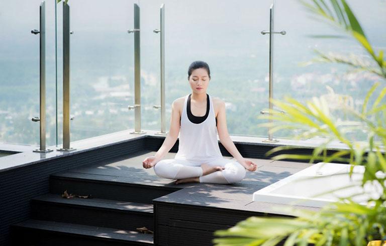 Thường xuyên thiền hoặc tập yoga có thể giúp bạn ngủ ngon hơn