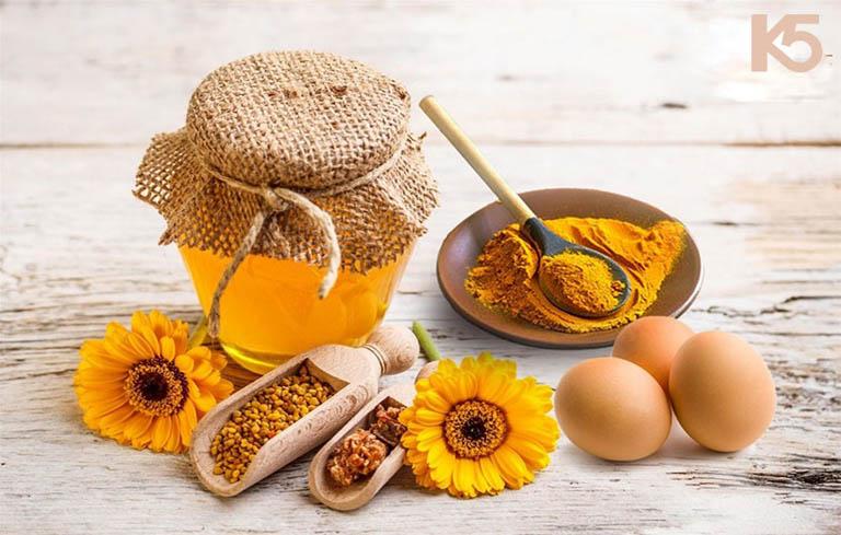 Kết hợp mật ong và trứng gà giảm triệu chứng viêm phế quản hiệu quả
