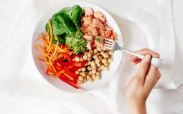 Có khá nhiều món ăn tốt cho bệnh xương khớp. Phần lớn trong số đó là có nguyên liệu dễ tìm và dễ chế biến.