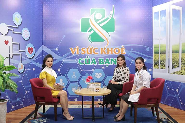 Đỗ Minh Đường thực hiện Vì sức khỏe của bạn cùng đài truyền hình Hà Nội