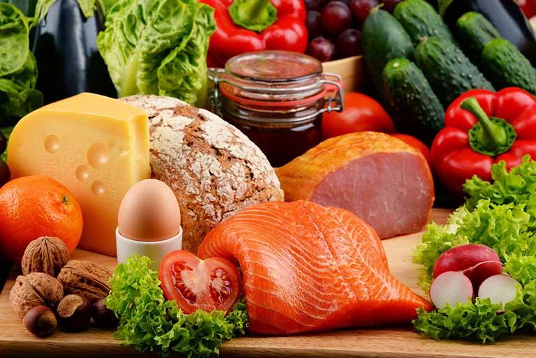 Nứt kẽ hậu môn kiêng ăn gì và nên ăn gì để cải thiện bệnh?