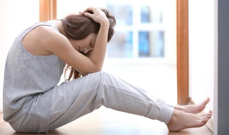 Đau xương khớp ảnh hưởng rất nhiều đến sức khỏe tinh thần và thể chất của phụ nữ sau sinh.
