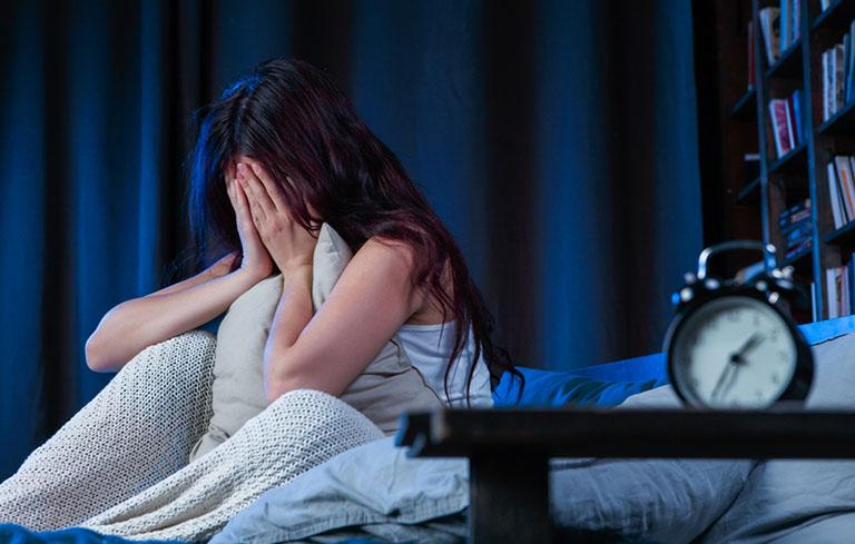 Cơ thể bị suy nhược khiến người bệnh bị rối loạn giấc ngủ