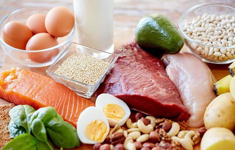 Dinh dưỡng cho người bệnh tập trung vào các thực phẩm bổ não, an thần
