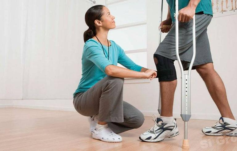 Vật lý trị liệu là một trong những phương pháp điều trị tai biến