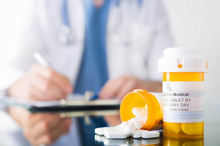 Điều trị bệnh thấp khớp bằng thuốc Tây y