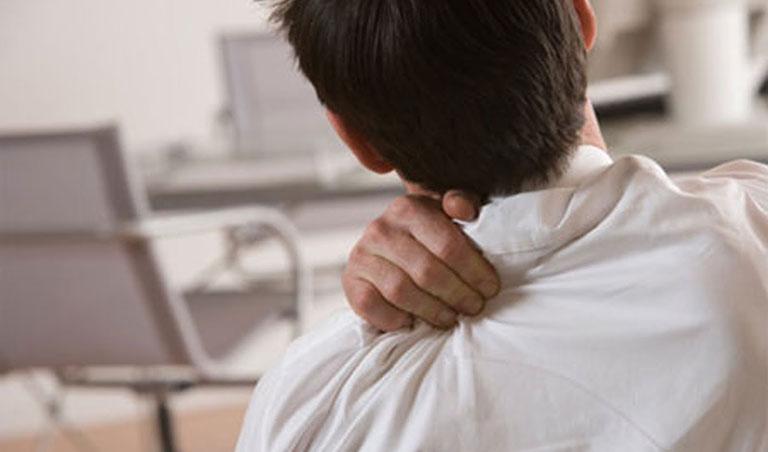 Thoái hóa cột sống chèn dây thần kinh là nguyên nhân gây thoát vị đĩa đệm cổ
