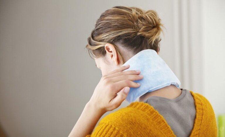 điều trị thoái hóa đốt sống cổ gây tê tay